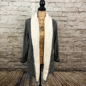 ABERCROMBIE & FITCH • Cardigan